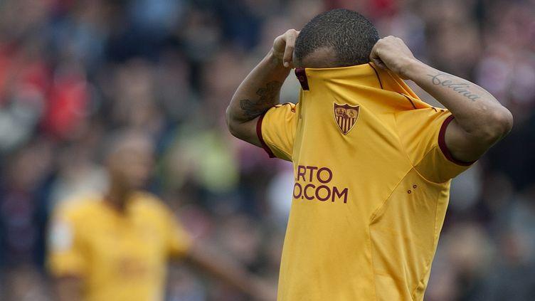 Mariano Ferreira et le FC Séville avaient la tête ailleurs (JORGE GUERRERO / AFP)