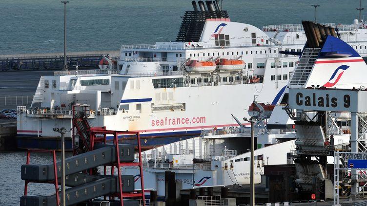 Un ferry de SeaFrance à quai à Calais le 2 janvier 2012. (PHILIPPE HUGUEN)