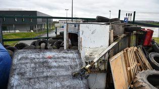 Blocage du centre pénitentière àCondé-sur-Sarthe, le 15 mars 2019. (JEAN-FRANCOIS MONIER / AFP)
