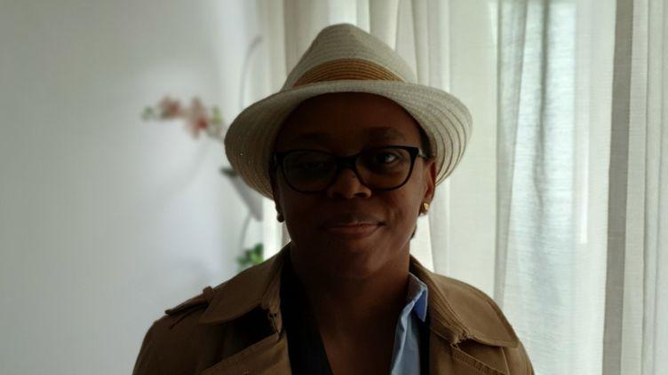 Ghislaine est arrivée en France il y a trente ans mais est confrontée quotidiennement au racisme. (FRANCEINFO / RADIO FRANCE)