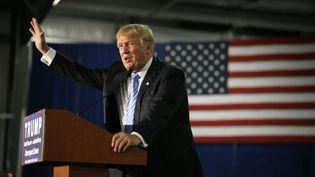 Donald Trump, homme d'affaires et candidat à l'investiture républicaine pour la présidentielle américaine de 2016, photographié le 5 décembre 2015 à Davenport (Iowa, Etats-Unis). (CHARLIE NEIBERGALL / AP / SIPA)
