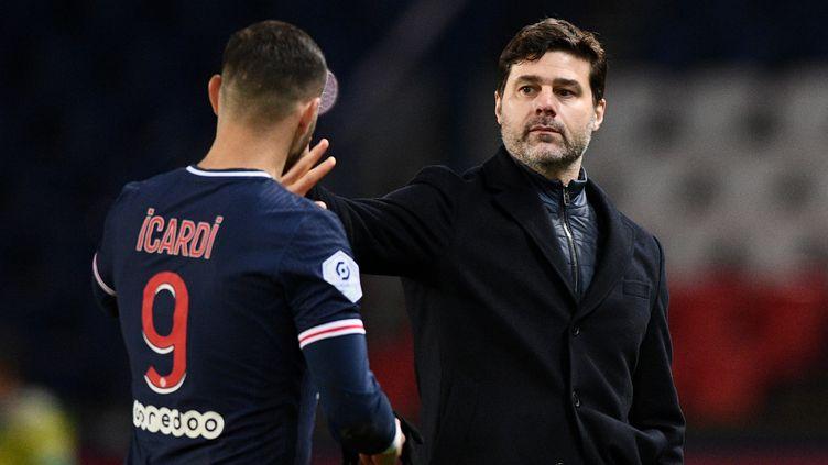 S'il a pu relancer Mauro Icardi, buteur face à Nîmes le 3 février 2021, Mauricio Pochettino n'a pas encore totalement posé sa patte sur le PSG. (FRANCK FIFE / AFP)