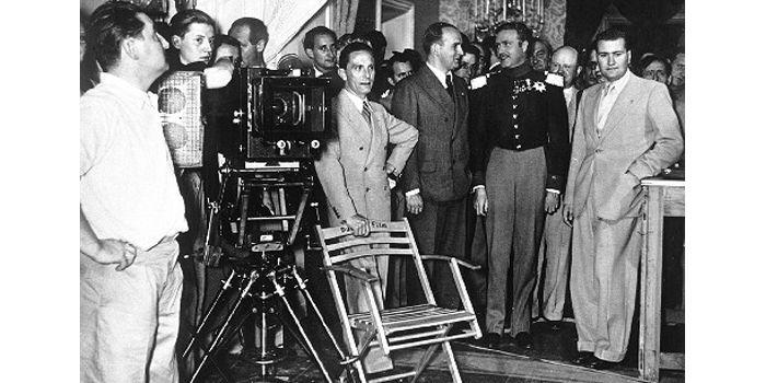 """Goebbels, 1938 tournage de """"histoire d'amour prussien» à Babelsberg.  (akg-images)"""