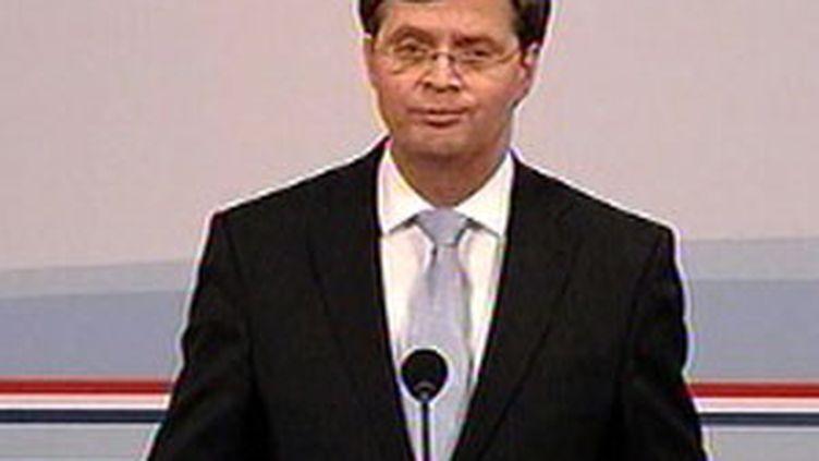 Le Premier ministre néerlandais Jan Peter Balkenede annonce la démission des ministres travaillistes (20 février 2010) (F3)
