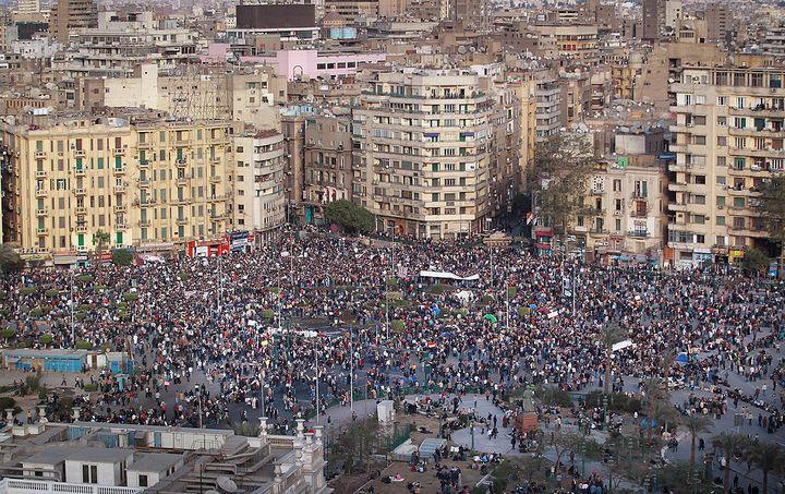 Des manifestants demandent la fin du régime d'Hosni Moubarak en Egypte, le 31 janvier 2011. (PETER MACDIARMID / GETTY IMAGES EUROPE)