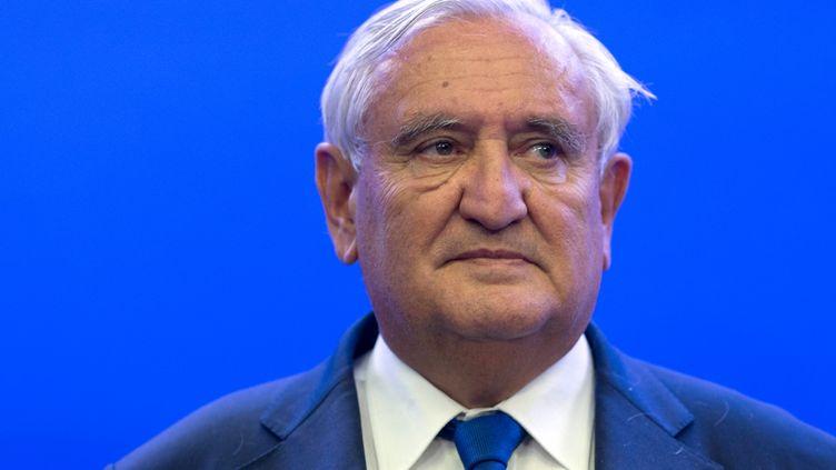 Jean-Pierre Raffarin, sénateur UMP de la Vienne, à Paris, le 8 juillet 2014. (KENZO TRIBOUILLARD / AFP)