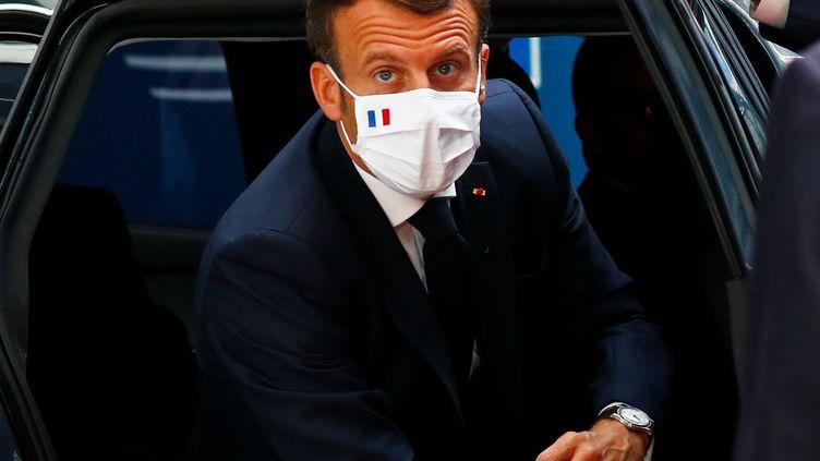 Le président Emmanuel Macron, le 20 juillet 2020 à Bruxelles (Belgique). (FRANCOIS LENOIR / AFP)