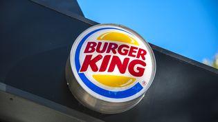 Une enseigne Burger King d'un restaurant de Paris, photographié en septembre 2015. (YANN KORBI / CITIZENSIDE.COM / AFP)