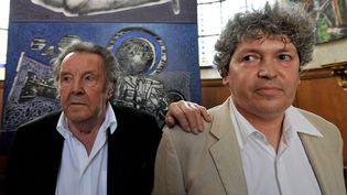 Ladislas Kijno (G) et Robert Combas lors d'une exposition commune dans la Chapelle Saint Louis des Gobelins a l intérieur de la Manufacture des Gobelins à Paris  (Max ROSEREAU - PHOTOPQR/LA VOIX DU NORD )