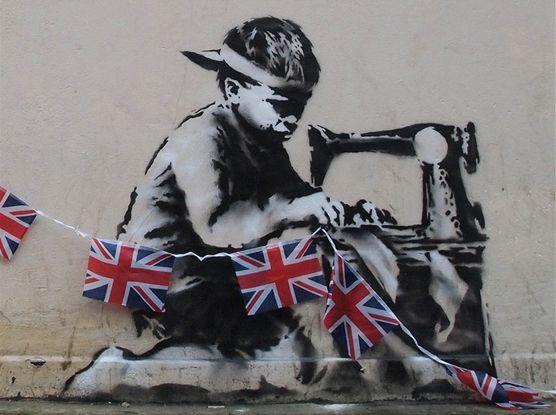Un graffiti au pochoir de Banksy réalisé à Londres en mai 2012.  (Banksy.co.uk)