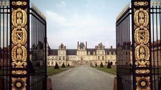 Le château de Fontainebleau et son portail d'entrée, datant du XVIe siècle. (Luisa Ricciarini/Leemage)