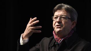 Jean-Luc Melenchon, candidatde La France insoumise à l'élection présidentielle, fait un discours lors d'un meeting à Florange (Moselle), le 19 janvier 2017. (JEAN-CHRISTOPHE VERHAEGEN / AFP)