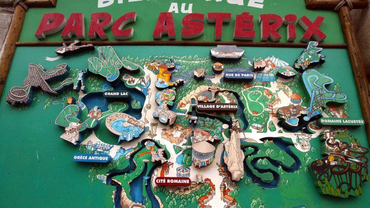 Vue prise le 26 juillet 2004 à Plailly (Oise), du plan du parc Astérix. (JOEL ROBINE / AFP)