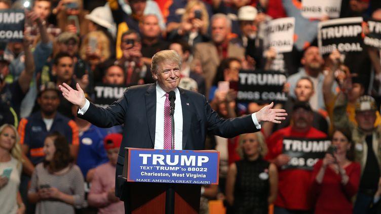 Donald Trump, candidat aux primaires républicaines, lors d'un meeting à Charleston (Etats-Unis), le 5 mai 2016. (MARK LYONS / GETTY IMAGES NORTH AMERICA / AFP)