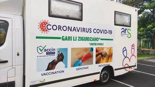 Le camion de réseau périnatal de Mayotte fourni aux équipes de l'ARS pour sensibiliser la population et réaliser des contrôles. (REPEMA / MAYOTTE LA 1ERE)