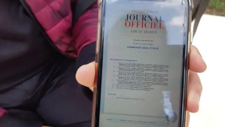 Cet habitant de Reims a appris sa naturalisation ce lundi au Journal officiel. (SOPHIE CONSTANZER / RADIO FRANCE)