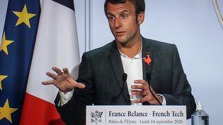 """Emmanuel Macron lors de l'événement """"French Tech"""" à l'Elysée, le 14 septembre 2020. (LUDOVIC MARIN / AFP)"""