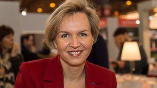 Virginie Calmels participe au salon du livre à Paris, le 17 mars 2018. (SERGE TENANI / CROWDSPARK / AFP)