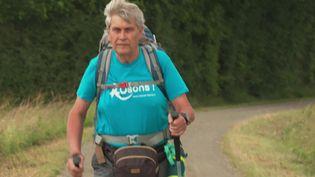 Yannick Sourisseau, 68 ans, marche pour sensibiliser le public aux cancers masculins (G. Rihet / France Télévisions)