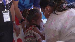 Les îles Samoaviennent de lancerune campagne de vaccination nationale contre la rougeole, une épidémie qui a tué plusieurs dizaines d'enfants. (france 24)