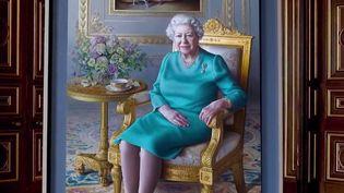 Elizabeth II : rencontre avec l'artiste espagnole qui a peint la reine d'Angleterre (France 2)