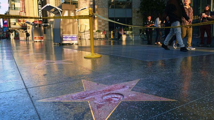 L'étoile de Donald Trump sur Hollywood Boulevard à Los Angeles (Etats-Unis) a été vandalisée, le 26 octobre 2016. (RICHARD VOGEL/AP/SIPA / AP / SIPA)