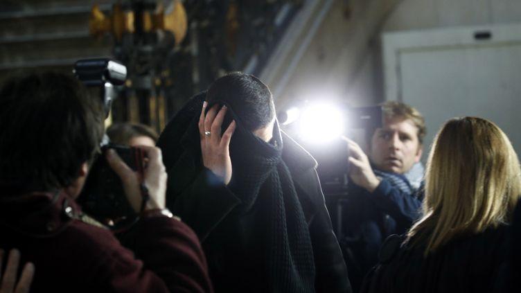 Youssef Aït Boulahcen arrive à la cour d'appel de Paris, le 21 novembre 2018. (YOAN VALAT / EPA)