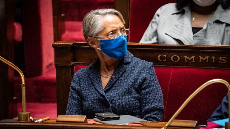 La ministre du Travail, Elisabeth Borne, lors d'une séance de questions au gouvernement, à l'Assemblée nationale, le 24 novembre 2020. (AMAURY CORNU / HANS LUCAS / AFP)
