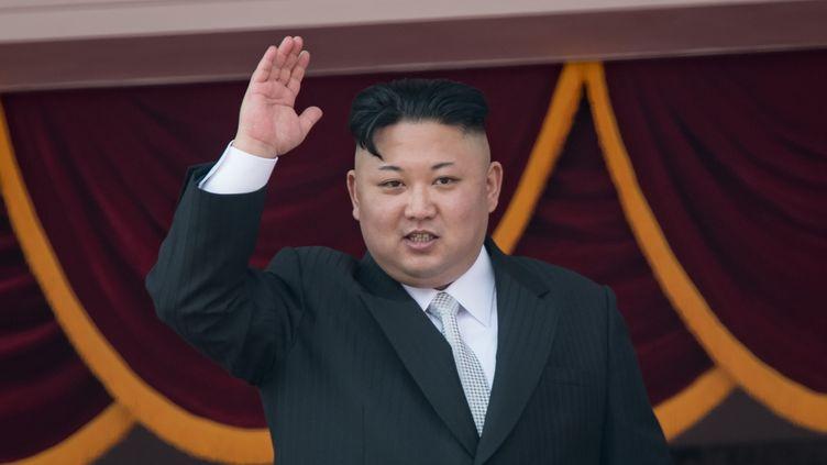 Kim Jong-un lors d'une parade à Pyongyang (Corée du Nord), le 15 avril 2017. (ED JONES / AFP)