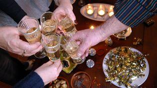 Neuf Français sur dix affirment qu'ils consommeront de l'alcoollors de la soirée du Nouvel an, selon une étude publiée le 29 décembre 2015. (SOLLIER CYRIL / MAXPPP)