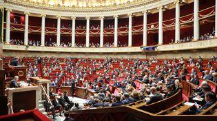 Les députés à l'Assemblée nationale, à Paris, le 14 janvier 2020. (LUDOVIC MARIN / AFP)