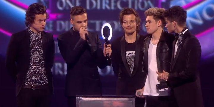 """One Direction reçoit le Brit Award de la Meilleure vidéo britannique pour """"Best Song Ever""""  (Brit Awards)"""