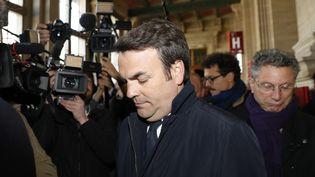 Thomas Thévenoud à son arrivée au Palais de justice de Paris, le 19 avril 2017. (PATRICK KOVARIK / AFP)