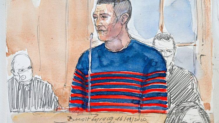 Jonathann Daval dessiné dans son box au premier jour de son procès pour le meurtre de son épouse Alexia, le 16 novembre 2020. (BENOIT PEYRUCQ / AFP)