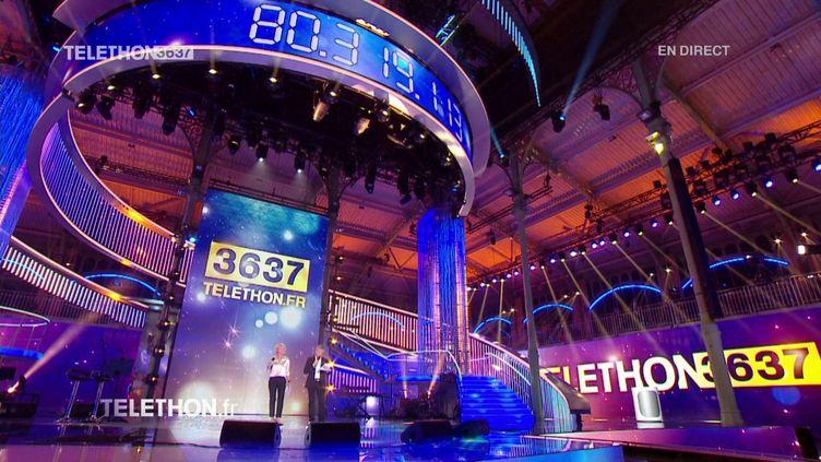 Le plateau du Téléthon 2017, le 8 décembre 2017. (FRANCE 2)