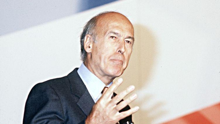 L'ancien président Valéry Giscard d'Estaing lors d'un discours à Vincennes (Val-de-Marne), le 14 juin 1982. (PHILIPPE WOJAZER / AFP)