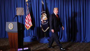 Donald Trump a annoncéune frappe américaine sur une base aérienne syrienne, depuis sa résidence de Mar-a-Lago en Floride, jeudi 7 avril 2017. (CARLOS BARRIA / REUTERS)