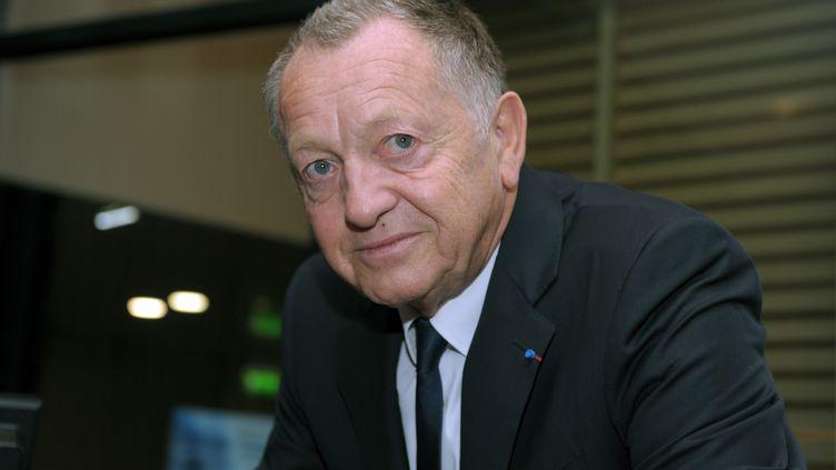 Le président de l'Olympique lyonnais, Jean-Michel Aulas, le 15 octobre 2014 à Paris. (ERIC PIERMONT / AFP)