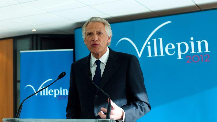 Le candidat à la présidentielle Dominique de Villepin à son QG de campagne à Paris lors de ses vœux à la presse le 16 janvier 2012. (JULIEN MUGUET / MAXPPP)