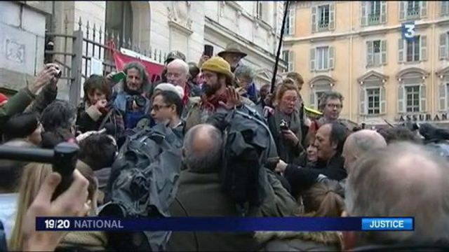 Aide aux migrants : Cédric Herrou, le passeur condamné