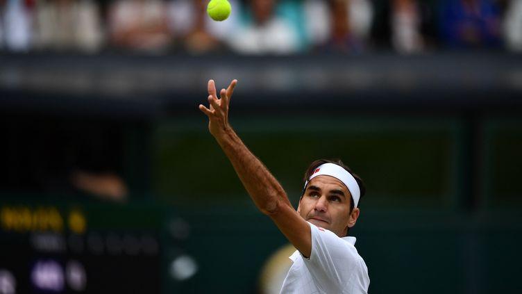 Roger Federer à Wimbledon le 3 juillet 2021. (BEN STANSALL / AFP)