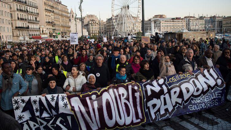 Marseille, le 9 novembre 2019. Les Marseillais manifestent un an après les effondrements de la rue d'Aubagne. (CLEMENT MAHOUDEAU / AFP)