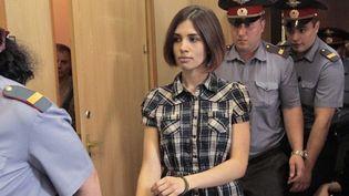 Nadejda Tolokonnikova, l'un des Pussy Riot, dans un tribunal de Moscou (20/06/2012)  (AFP / Andrey Stenin / RIA NOVOSTI)