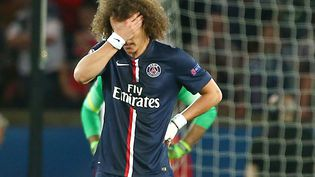 Le défenseur du PSG David Luiz après la défaite de son équipe face au FC Barcelone, le 15 avril 2015 au Parc des Princes (Paris). (KIERAN MCMANUS / BACKPAGE IMAGES LTD)