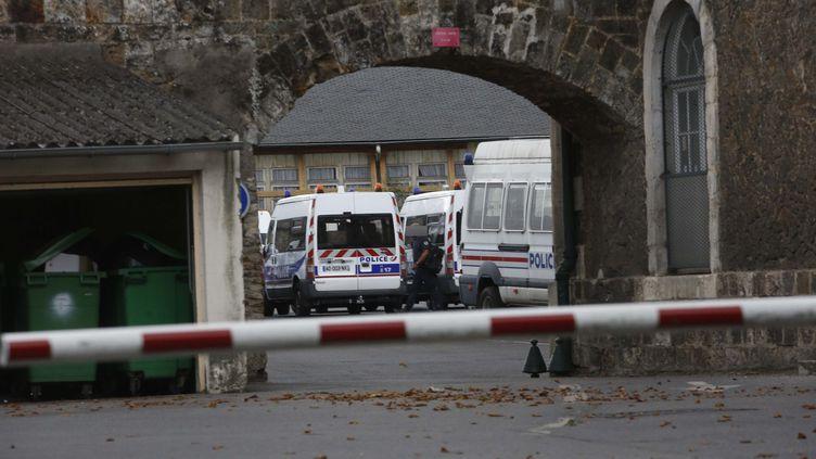 Le centre de rétention administrative de Paris, dans le bois de Vincennes. (OLIVIER CORSAN / MAXPPP)