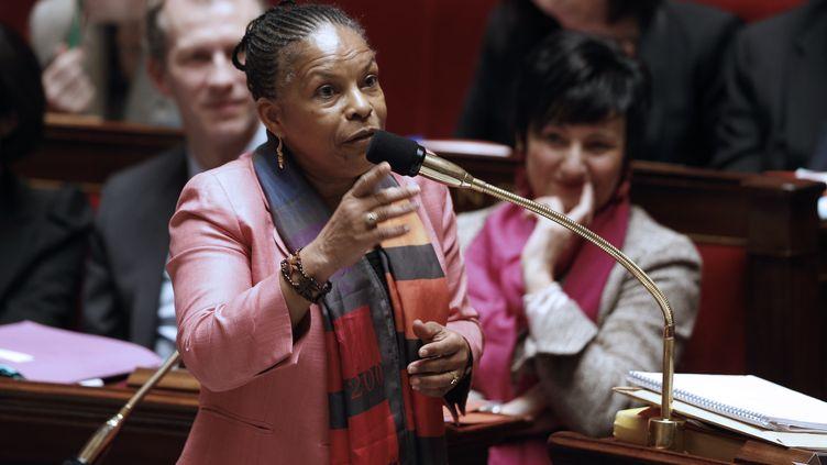 La ministre de la Justice, Christiane Taubira, défend le projet de loi sur le mariage pour tous à l'Assemblée nationale, le 5 février 2013. (FRANÇOIS GUILLOT / AFP)