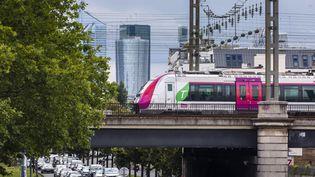 Embouteillages à Asnières-sur-Seine en juin 2020. (VINCENT ISORE / MAXPPP)