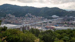 Des tests sont réalisés sur le pont construit après l'effondrement du pont Morandi, à Gênes (Italie), le 20 juillet 2020. (MAURO UJETTO / NURPHOTO / AFP)