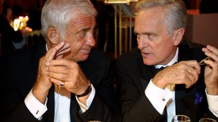 Jean-Paul Belmondo et Philippe Labro lors du 54ème festival international du film de Cannes, en 2001. (MAXPPP)