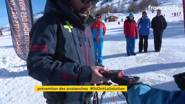 Au Deux-Alpes, des stages pour former les skieurs aux bons gestes en cas d'avalanche